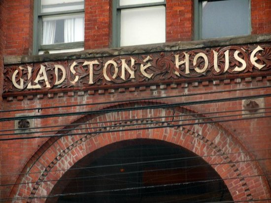 Gladstone Hotel: Gladstone House sign