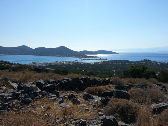 Elounda Water Park Residence : View on the walk down to Elounda
