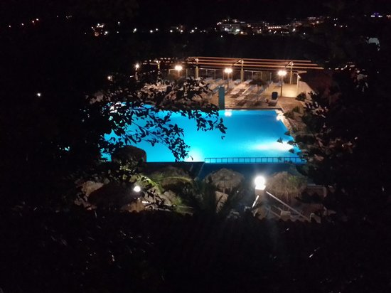 Elounda Water Park Residence: Pool at night