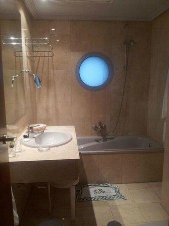 Hotel Olid: Baño