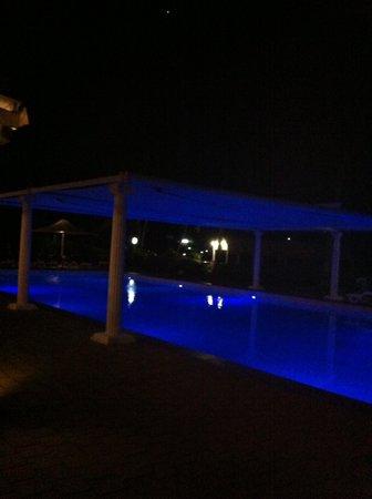Coral Sea Resort: The pool