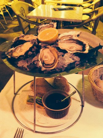 Les Deux Garcons: A plateau of fresh, fat, farmed Gillardeau oysters from La Rochelle