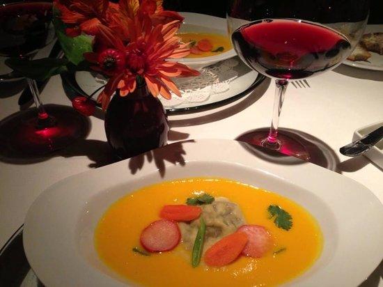 Chateau du Sureau: Most delightful carrot soup ever