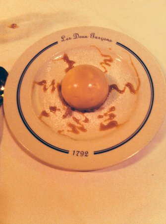 Les Deux Garcons: Dome de Marron - light and delicious