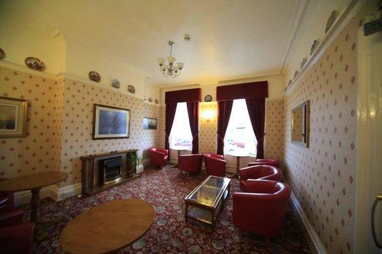 Trevone Hotel: lounge