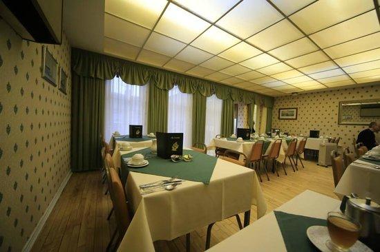 Trevone Hotel: dining room