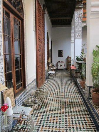 Riad Al Bartal : Second floor hallway