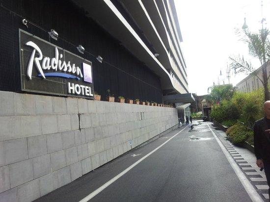 Radisson Blu es. Hotel, Roma : l'ingresso