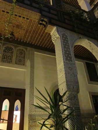 Riad Al Bartal: Riad interior court detail
