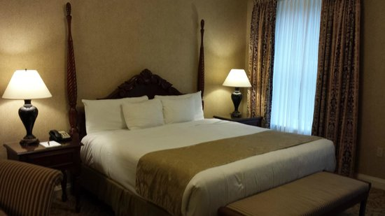 French Lick Springs Hotel: King size bed in Room 2537