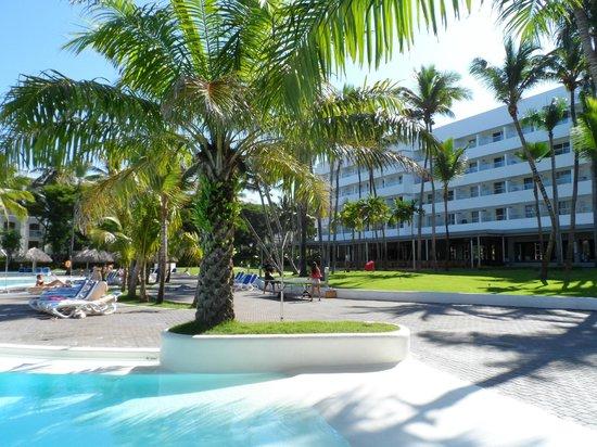 Hotel Riu Naiboa : vista desde el parque