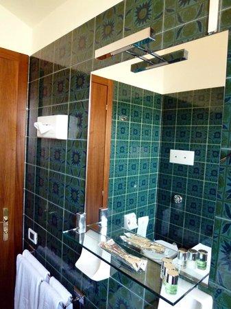 Hotel Citta dei Mille: Un bagno all'attico