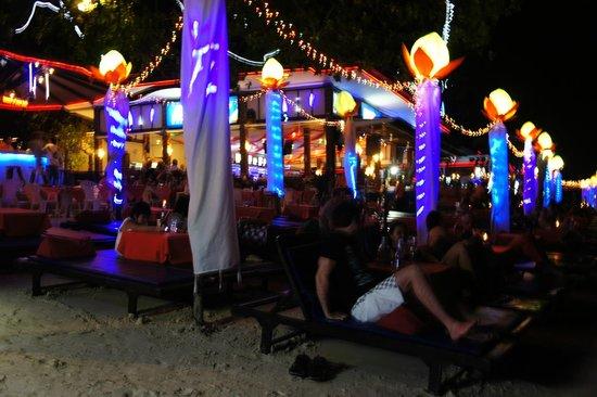 Ark Bar Beach Resort: animation de nuit