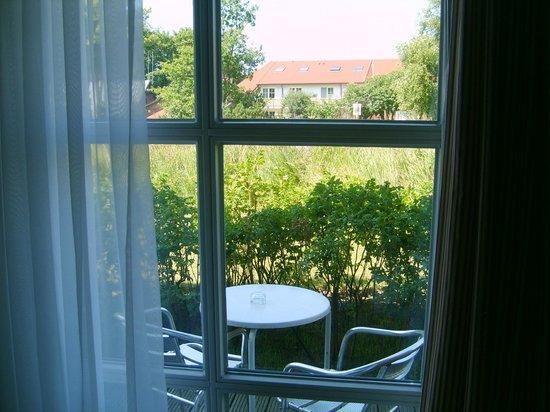 Dorint Strandhotel Ostseebad Wustrow: Zimmerausblick in Richtung Meer (Nordwesten)