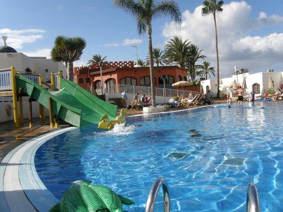 HD Parque Cristobal Tenerife: Salt water pool