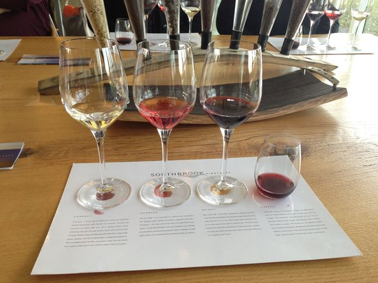 Niagara Vintage Wine Tours: Stonebrook Winery Tasting