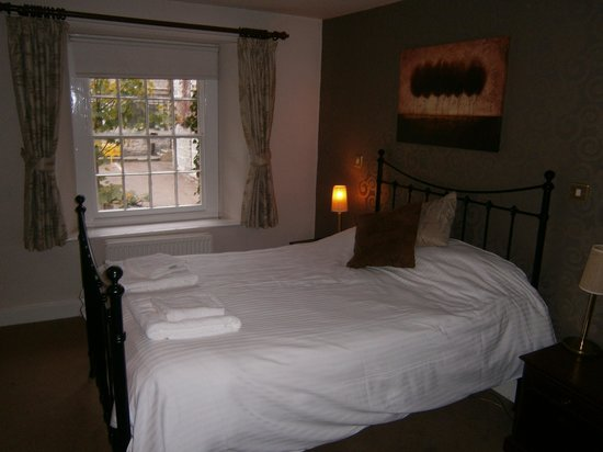 Bear Inn: Bedroom in Blossom Cottage