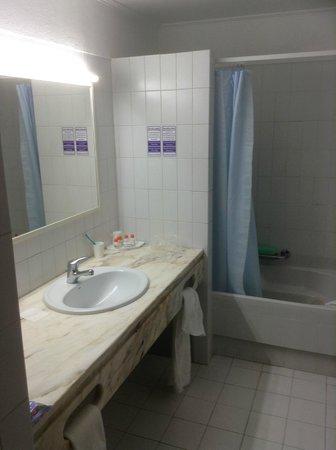 Hotel Apartamento Brisa Sol: Bathroom