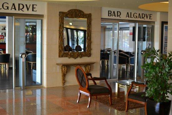 Hotel Apartamento Brisa Sol: Algarve Bar