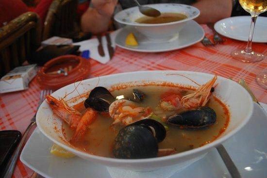Mama Sofia's : cacavia soup