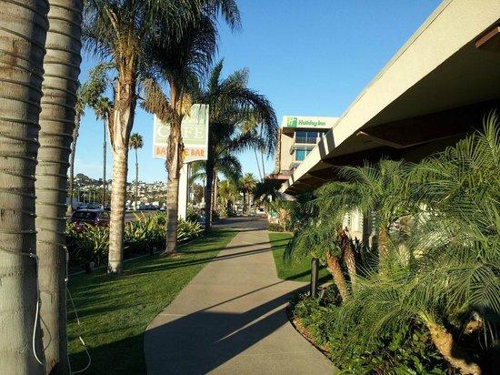 Holiday Inn San Diego-Bayside: entrance