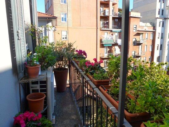 B&B Milano Bella: Balcony