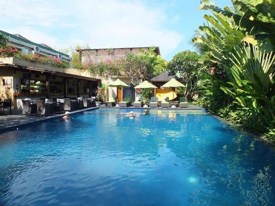 "Caramel Restaurant at Kamuela Villas Sanur: View of the resturaunt ""Pool side"""