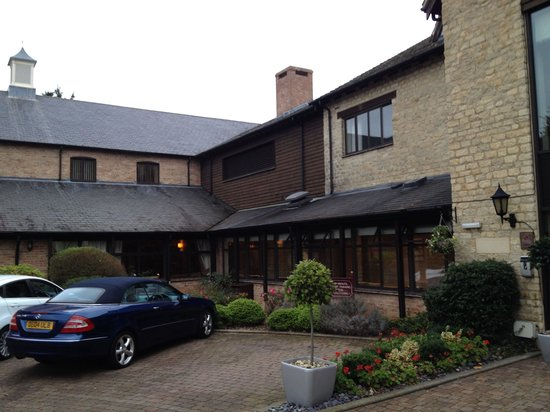 Oxford Spires Hotel: Convenient parking too!