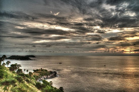 Nai Harn Beach: Sunset. Promthep Cape.
