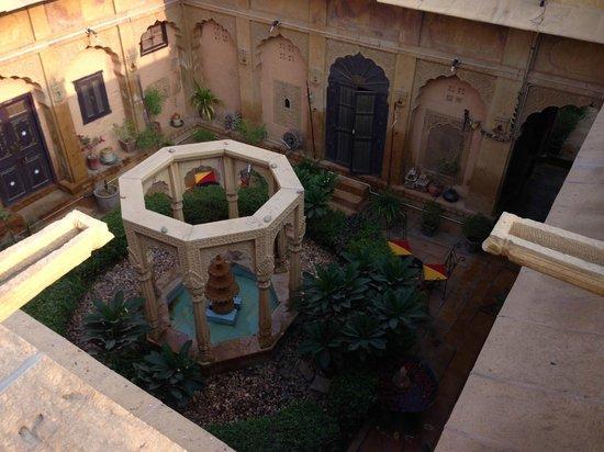 Hotel Nachana Haveli: view to lobby from above