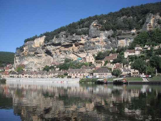 Acanoeraid : La Rocque-Gageac from the Dordogne River