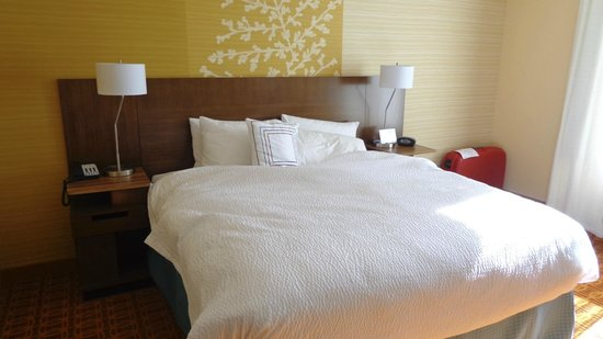 Fairfield Inn & Suites Tustin Orange County: Room