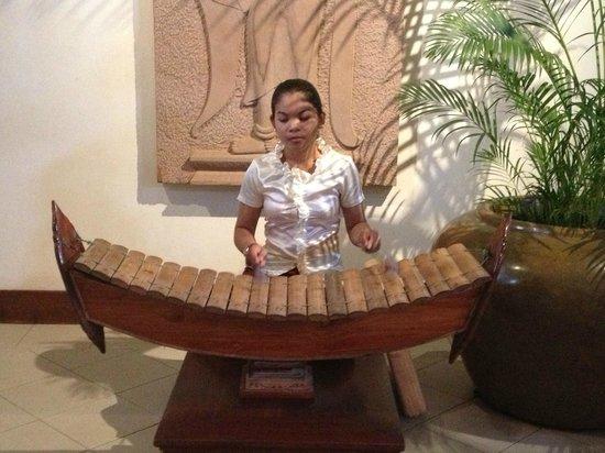 Belmond La Résidence d'Angkor: at the lobby