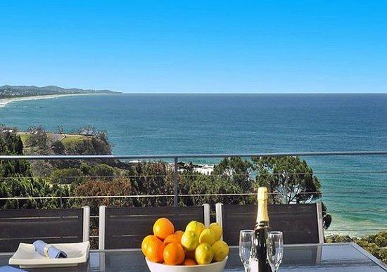 The Point Coolum Beach: Ocean View