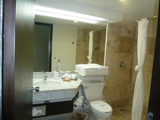 Sunset Royal Cancun Resort: Excelentes instalaciones