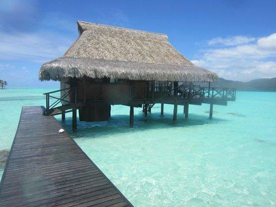 Vahine Private Island Resort: Furtherst OWB
