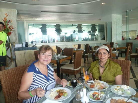 Sunset Royal Cancun Resort: Compartiendo con amigos