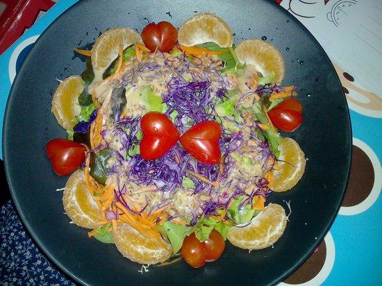 Lasa Sheep Cafe House: Heart Salad from Love ^_^