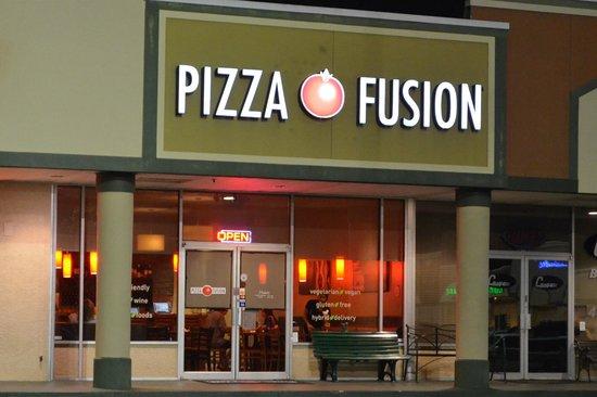 Pizza Fusion at night.