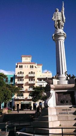 Posada San Francisco Old San Juan: View of Posada San Francisco from Plaza de Colon