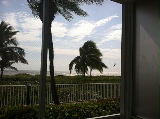 Sanibel Arms West Condominium: view fom the lanai