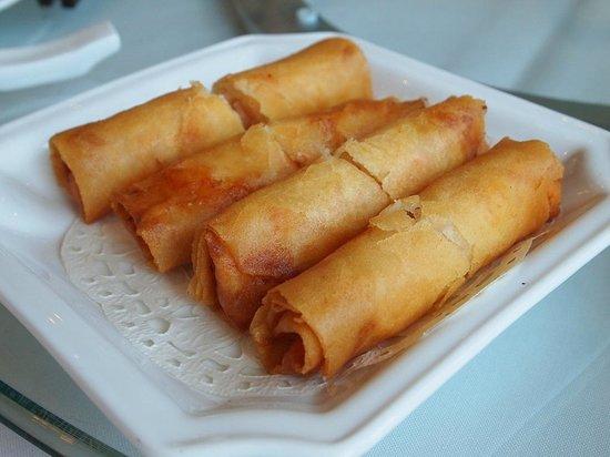 Dynasty Seafood Restaurant : shrimp deep fried spring rolls