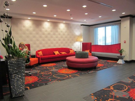 Hampton Inn & Suites Albany at Albany Mall : lobby