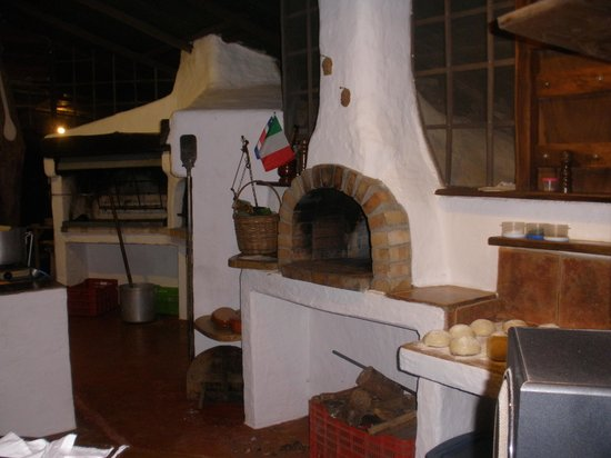 Tierra y Fuego : heres the wood fired oven!