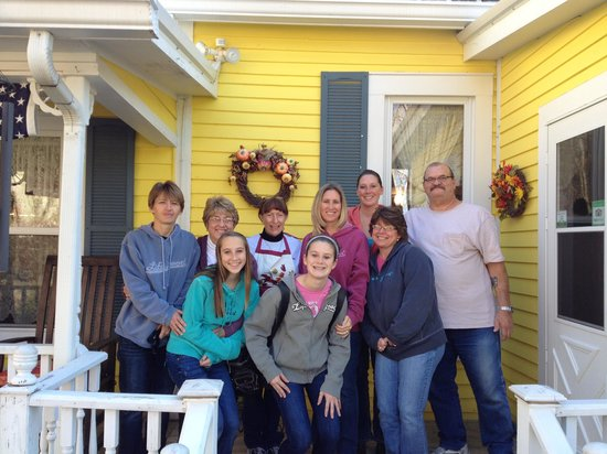 1875 Homestead Bed and Breakfast: Nov 2013--Family!!