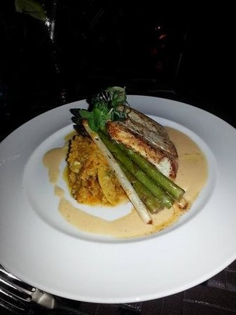 Shor American Seafood Grill: Halibut Special!!