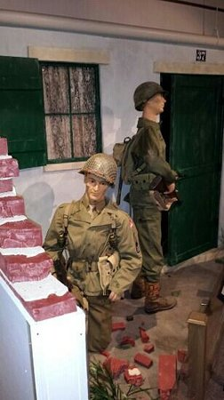Illinois State Military Museum: action