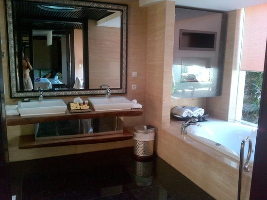 Amarterra Villas Bali Nusa Dua - MGallery Collection : Bathroom