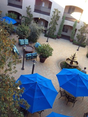 Ayres Hotel & Spa Mission Viejo : Courtyard