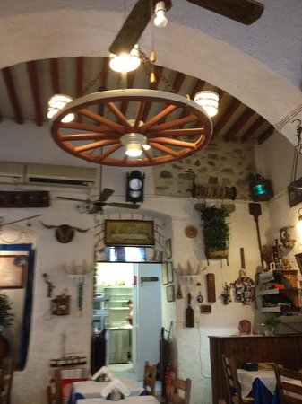 Lucullus Taverna : interior decor